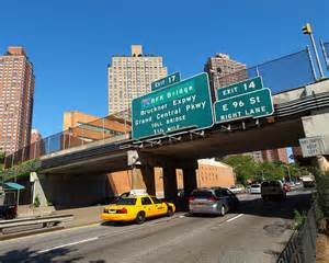east-91st-street-walking-bridge